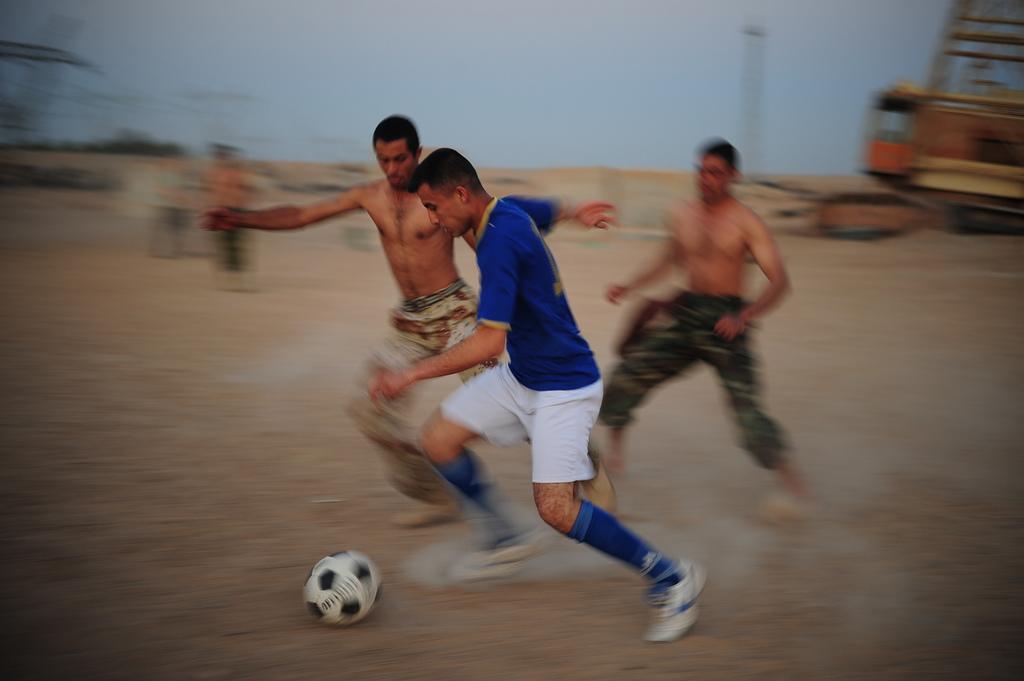 スポーツ選手は血の滲むような練習の上で試合に挑む。サラリーマンは?